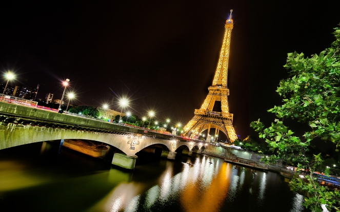 eiffel-tower-paris-night.jpg